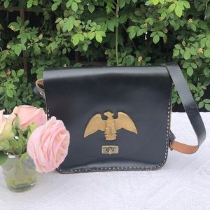Stunning leather bag.💓